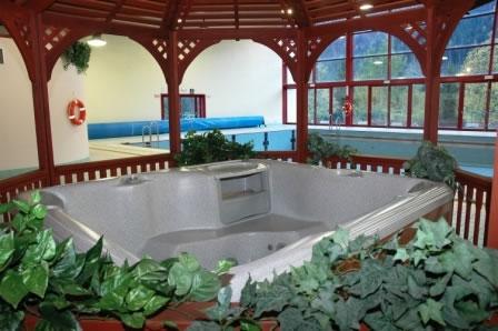 Dolomiti sappada piscina villaggio turistico getur for Piani di piscina gratuiti